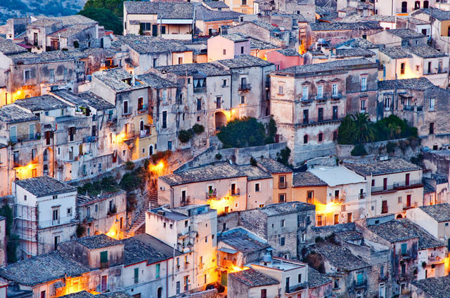 sicilia night view